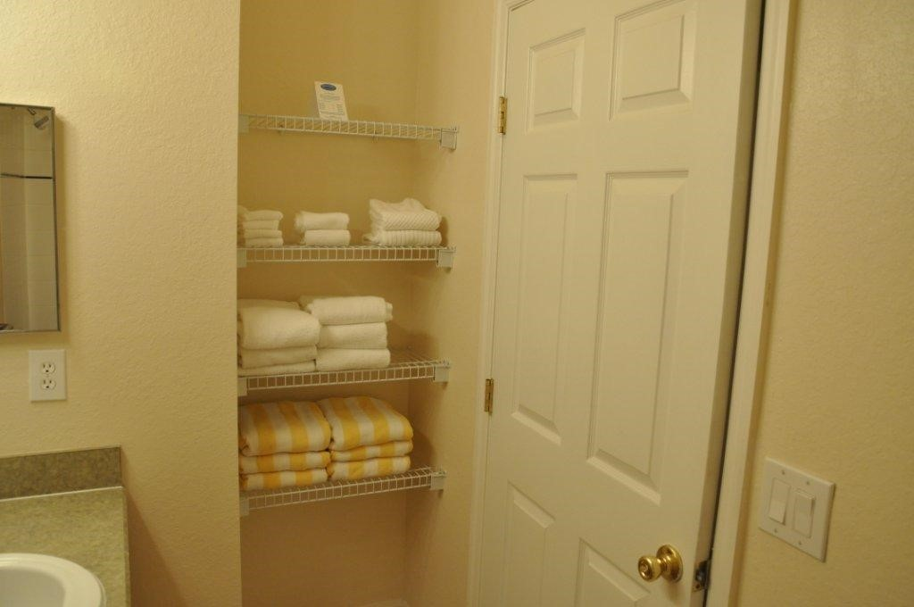 Bath towels and beach towels